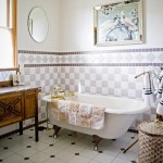 Old Fashioned Claw Foot Tub - The Gite Photo by Steve Scardina.