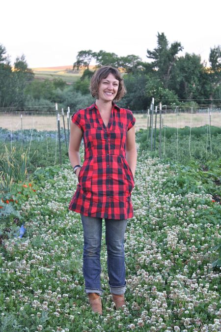 photo of Erin Horan, biodynamic grower and keeper of the Nourish Gardens—2011 Outstanding in the Field Dinner—photo by The Farm Chicks