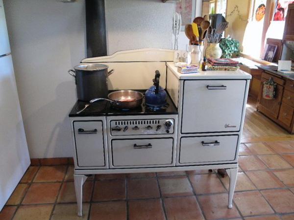 Photo of Wonderful Old Fashioned Stove at The Gite