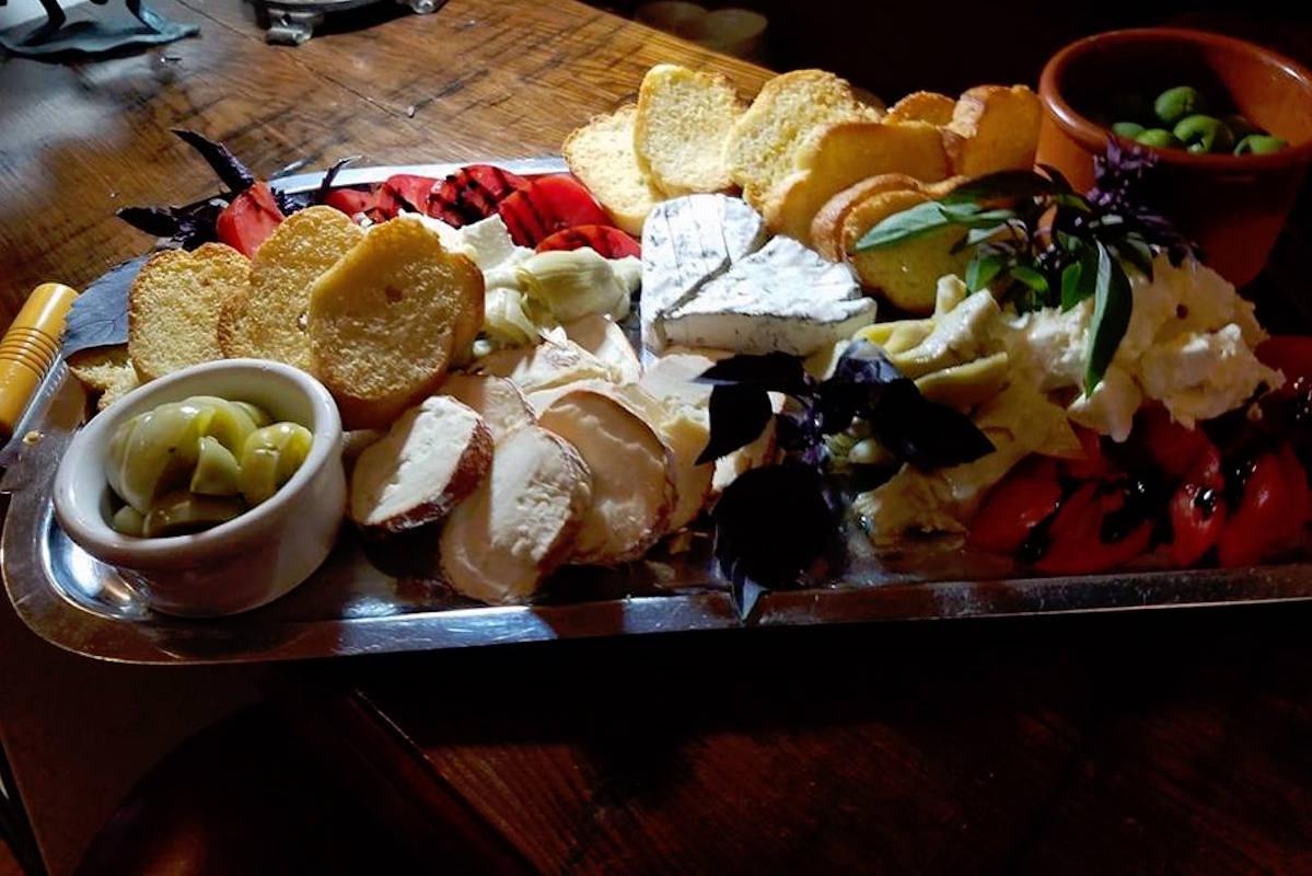 Monteillet cheese plate